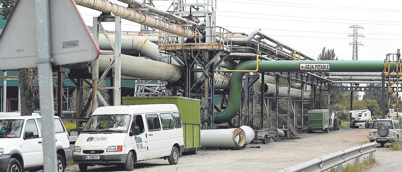 Trabajadores de Daorje, en las instalaciones de Arcelor