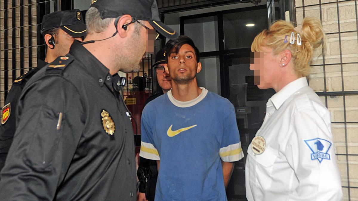 El Guacho, en los juzgados cuando fue arrestado.