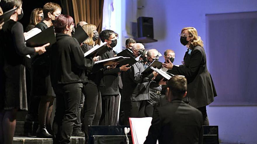 El Cant Coral Catalunya Centre es clou amb un concert amb 200 assistents