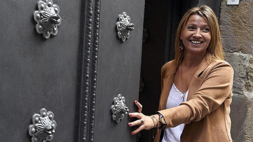 El PP ficha a Eva Parera, concejal del grupo de Manuel Valls en Barcelona