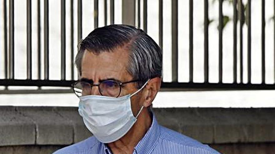 Ángel acentúa su perfil político al delegar tareas de Emergencias