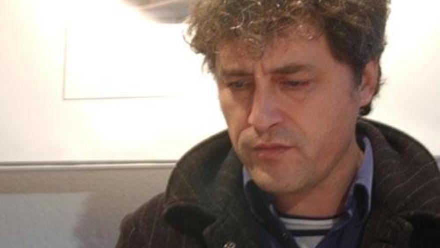 """Manuel Rivas: """"En España  hay obsesión por controlar hasta a las coplas"""""""