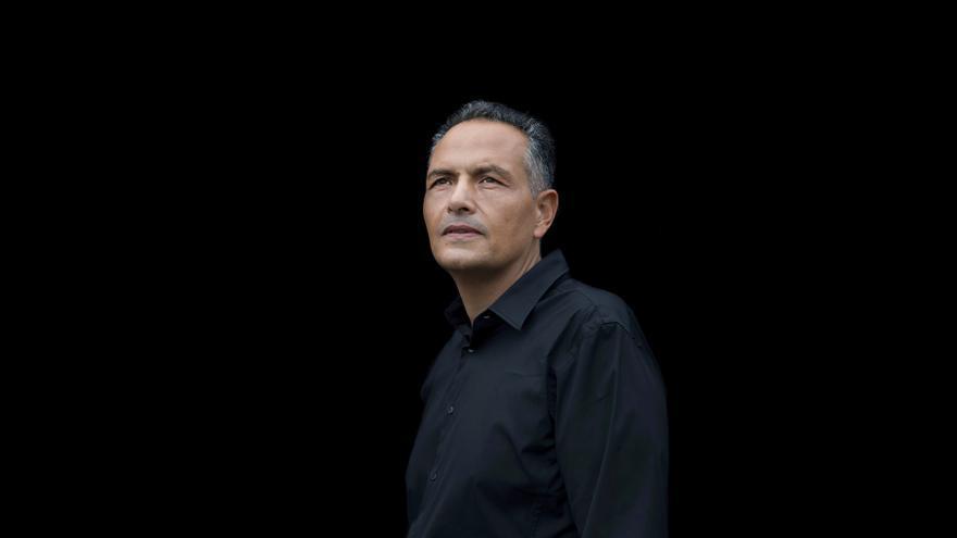 'Mediodía eterno', de Santiago Gil, ganadora del Premio Internacional de Novela Benito Pérez Galdós