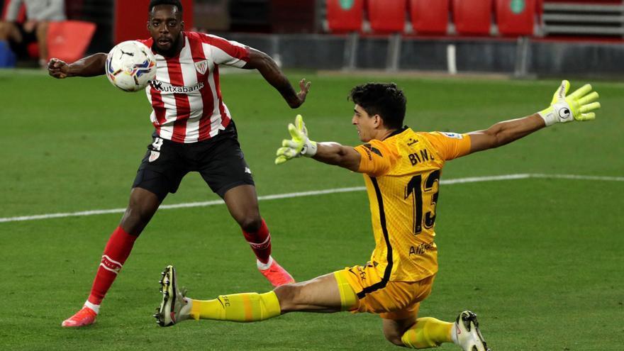 El Athletic aleja al Sevilla de la lucha por la Liga
