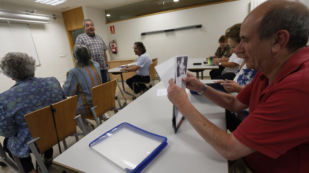 Alumnos de Aulas Populares en una pasada edición.