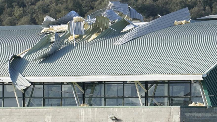 Els danys al sostre del pavelló de Canet d'Adri s'eleven a 124.000 euros