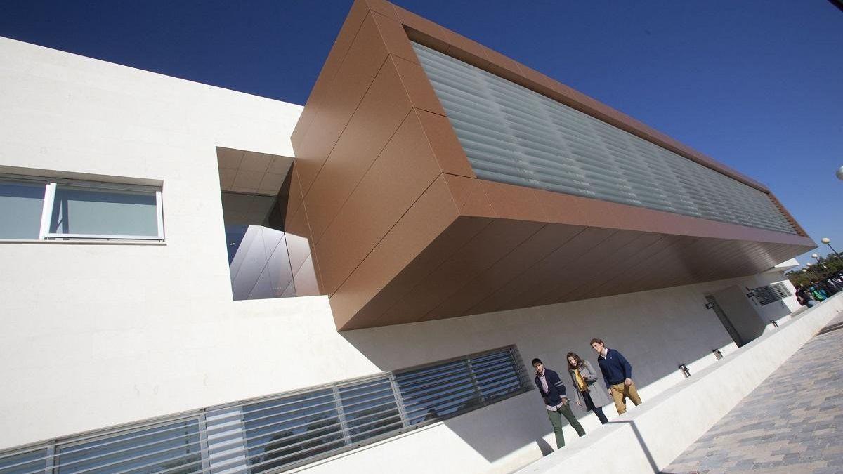 Edificio de la Universidad Loyola Andalucía en Córdoba.