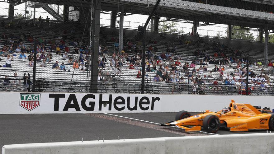 Alonso luchará este domingo por la 'pole' en Indianápolis