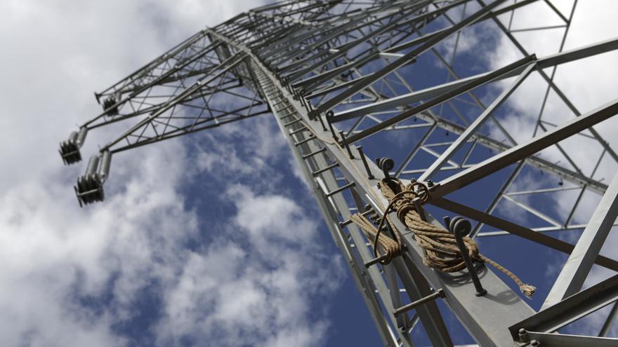 Las empresas preparan compras masivas de electricidad para sortear las subidas