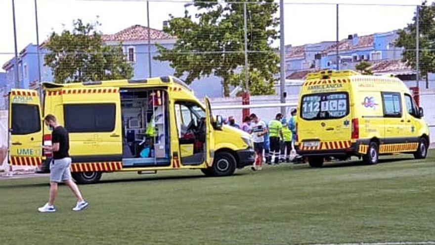Un árbitro de 19 años de fútbol regional fallece antes de un partido en Murica