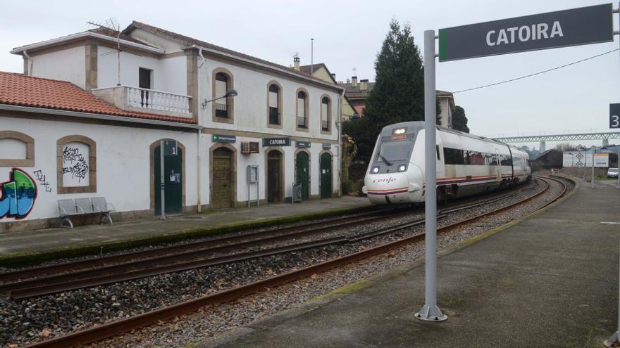 Muere una mujer tras ser arrollada por un tren en Catoira