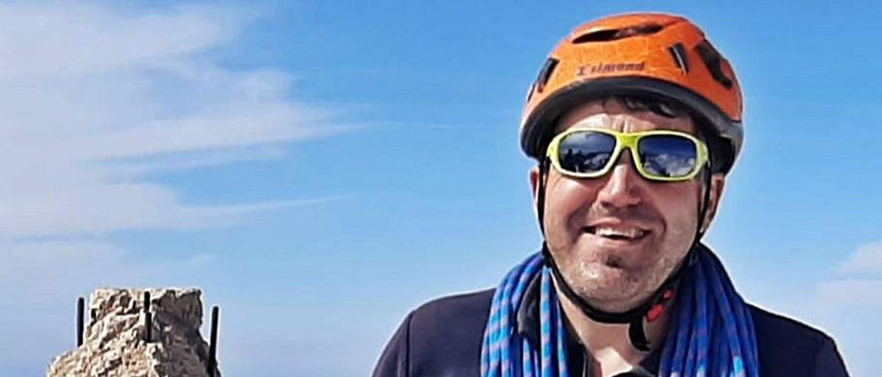 Adolfo Uría, en la cima del  Torrecerredo. | A.U.