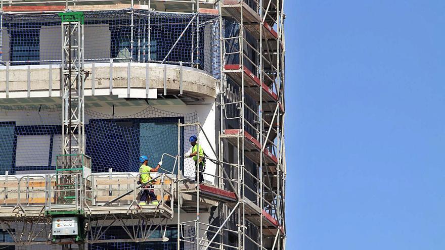 La venta de viviendas supera ya el nivel prepandemia por el tirón de la obra nueva