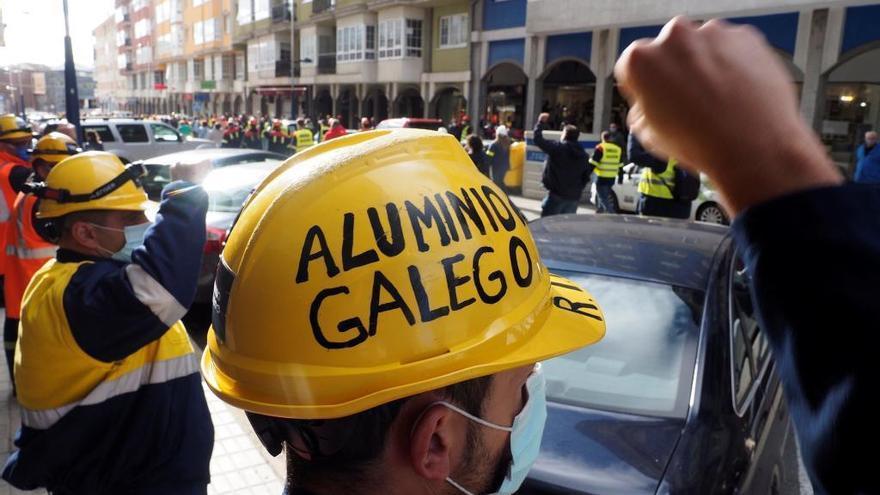 """El comité de Alcoa ofrece """"paz social"""" si la empresa levanta el ERE y negocia la venta"""