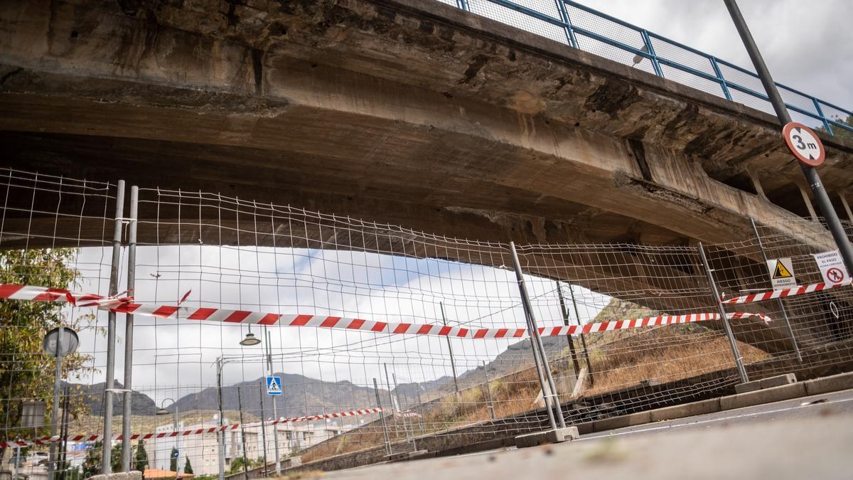 El puente de San Andrés permanece cerrado al tráfico pesado desde el 20 de mayo.