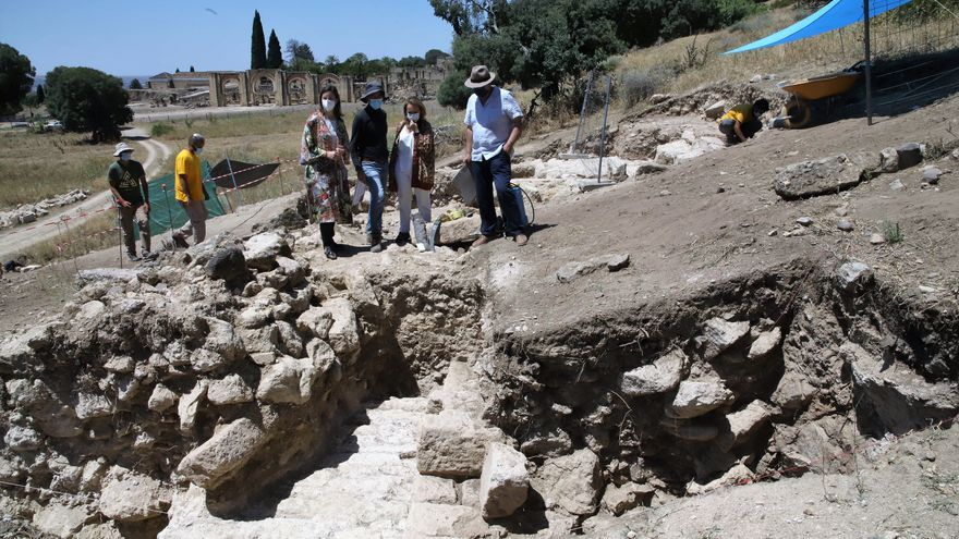 Los trabajos en Medina Azahara evidencian que el pórtico oriental de la Plaza de Armas era de igual tamaño que el occidental