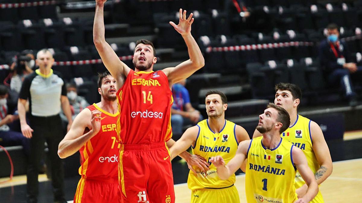 Una imagen del España-Rumanía que se jugó en La Fonteta.  | LEVANTE-EMV