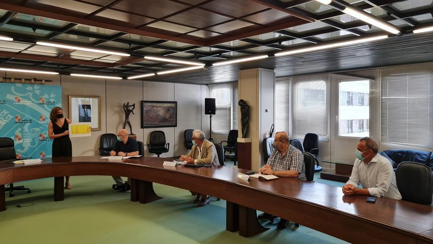 La UCI del hospital de Zamora, al límite, con 12 ingresados