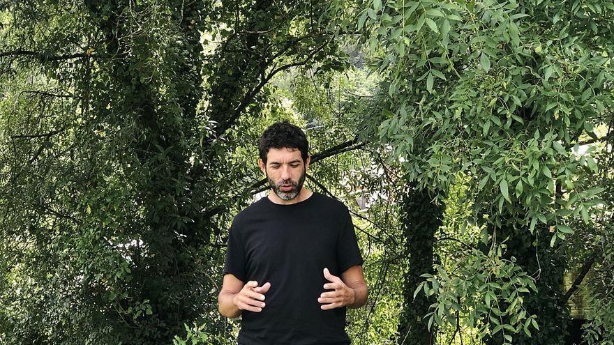 """""""A los gallegos nos gusta la naturaleza pero preferimos mantenerla a cierta distancia"""""""