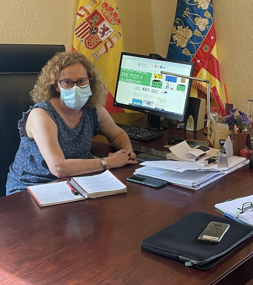 Marisa Almodóvar junto a Salvador Santamaría.