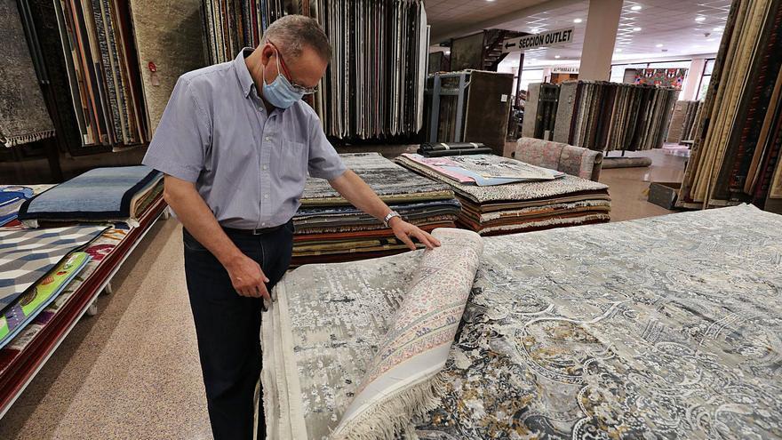 La alfombra resiste en el exterior por el impulso de Corea del Sur y Rumanía