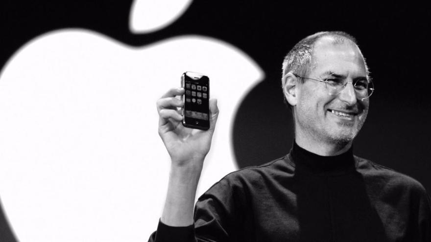 Diez años sin Steve Jobs, el hombre que revolucionó la telefonía móvil