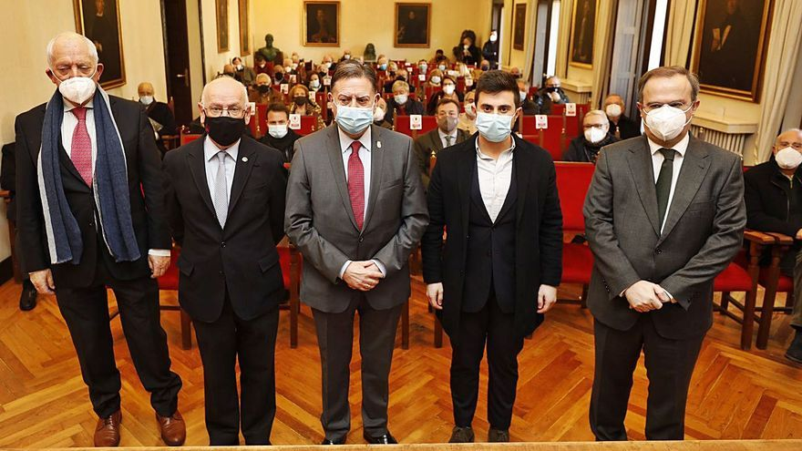 Álvarez del Busto publicará una guía histórico-práctica del concejo pixueto este verano