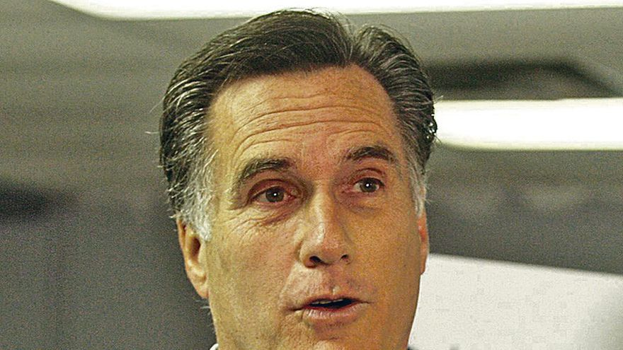 Trump abre una brecha en su equipo al considerar a Romney para un alto cargo