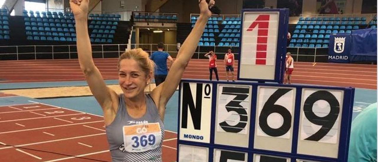 Eva Gadela batió el récord en Salto de Longitud