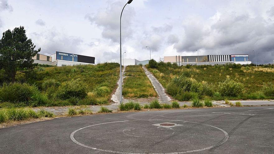 El suelo residencial vacío en el polígono de Carral se reclasificará como industrial