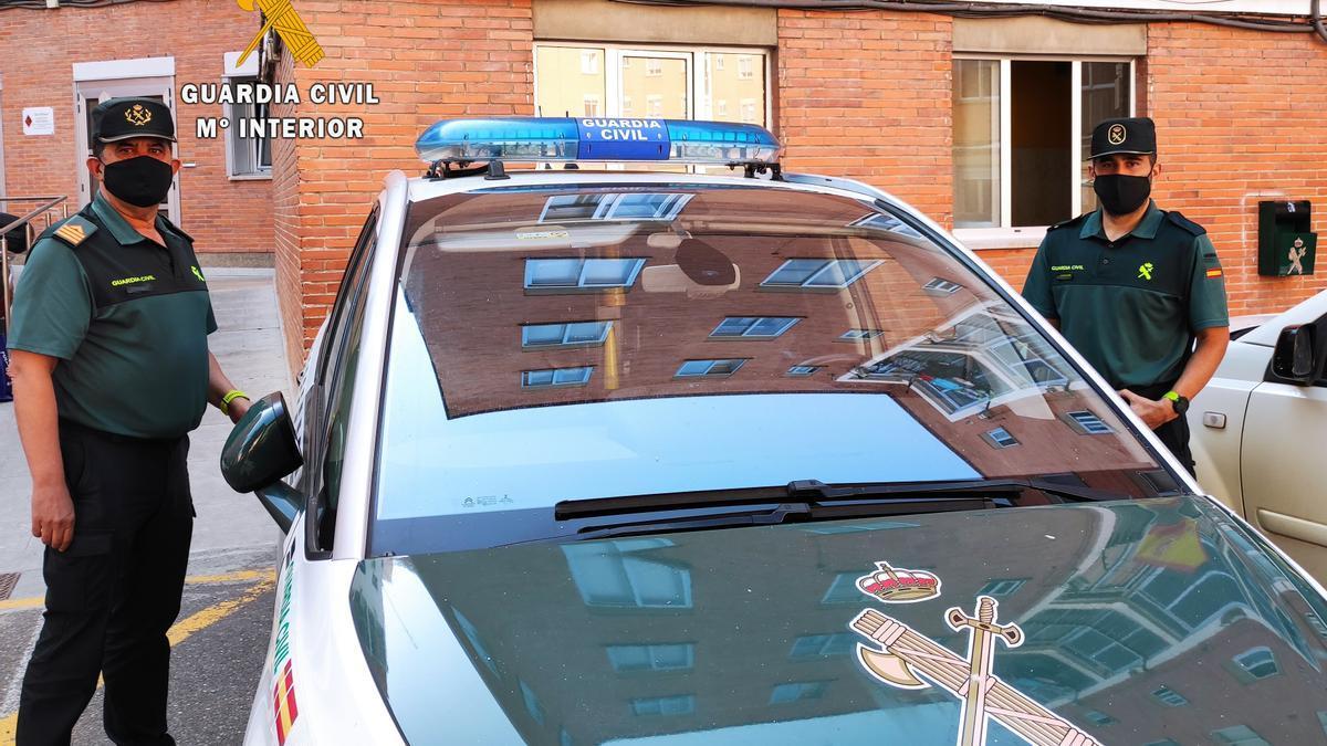 Dos guardias civiles fuera de servicio logran detener un robo en una farmacia de Zamora.
