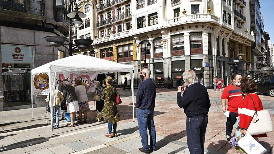 Recogida de firmas, hoy, contra la cooficialidad del asturiano