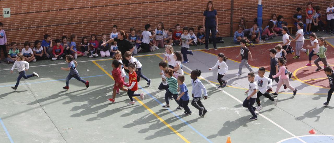 Carrera contra la leucemia organizada por el colegio Miguel de Unamuno de Elche este curso.