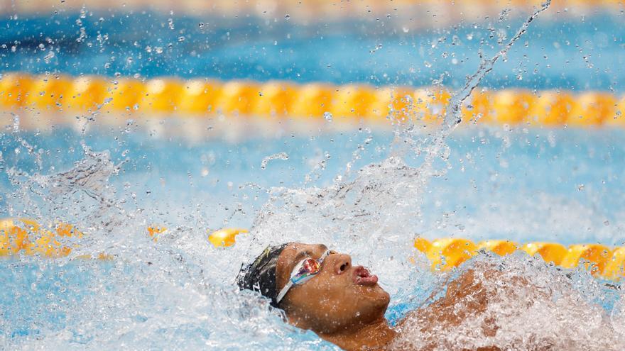 Hugo González se clasifica para la final de los 100 metros espalda
