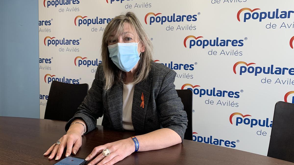 Esther Llamazares, en la sede municipal del PP.