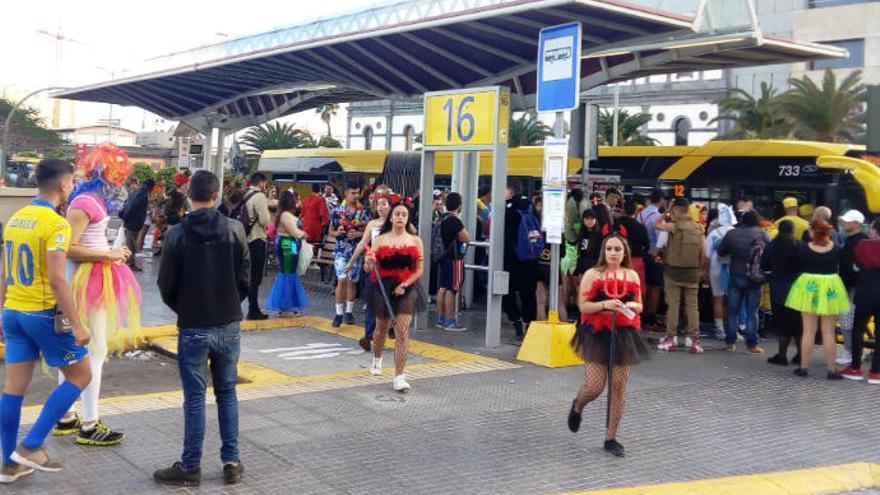 Guaguas Municipales transporta 170.000 viajeros durante el Carnaval