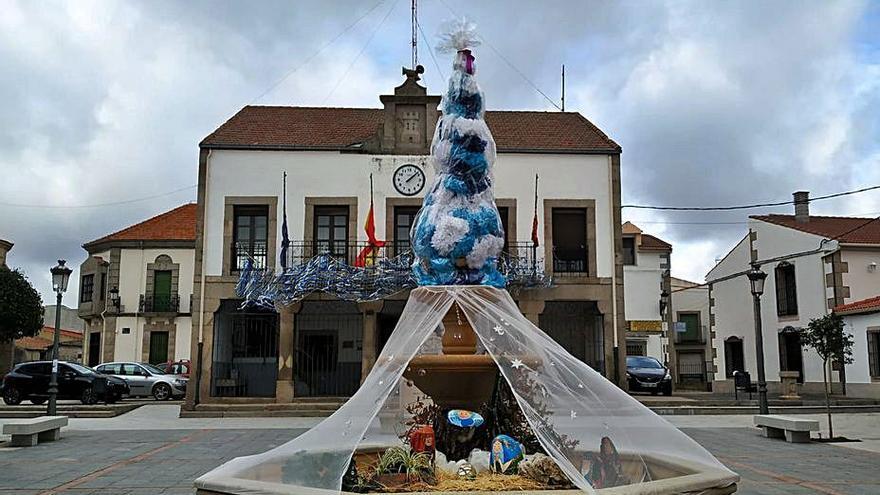 """Un belén montado por """"La Mayuela"""" anuncia la Navidad en Bermillo de Sayago"""