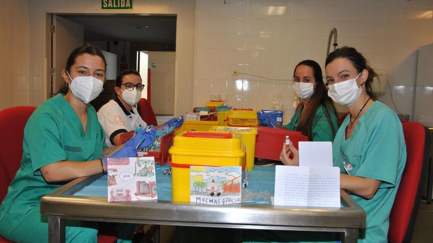 Así agradecen los castellonenses su vacunación al personal sanitario