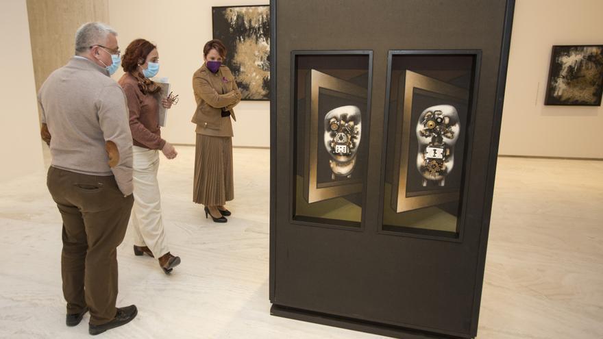El MACA reabre con tres nuevas exposiciones tras permanecer cerca de un mes cerrado por reformas