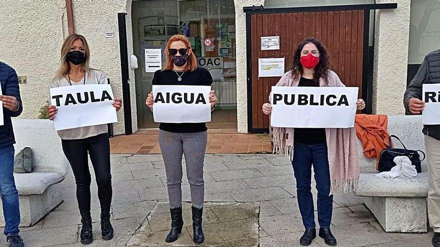 Entitats i veïns s'uneixen per reclamar la municipalització de l'aigua de Riells i Viabrea