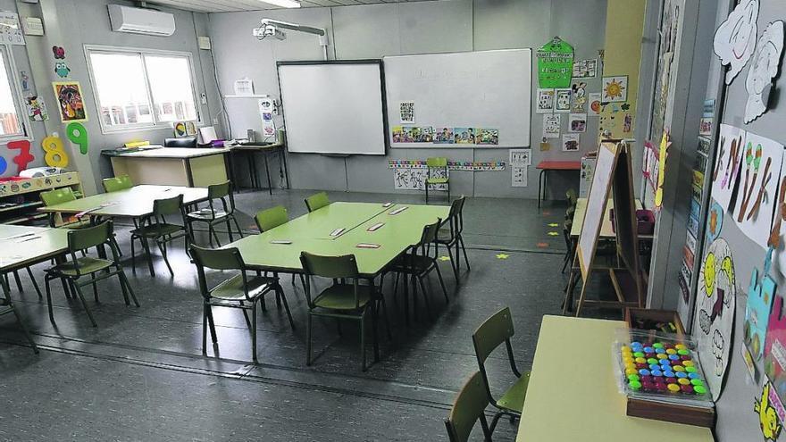 Alumnos de 77 colegios e institutos de las Islas reciben clases en 137 barracones