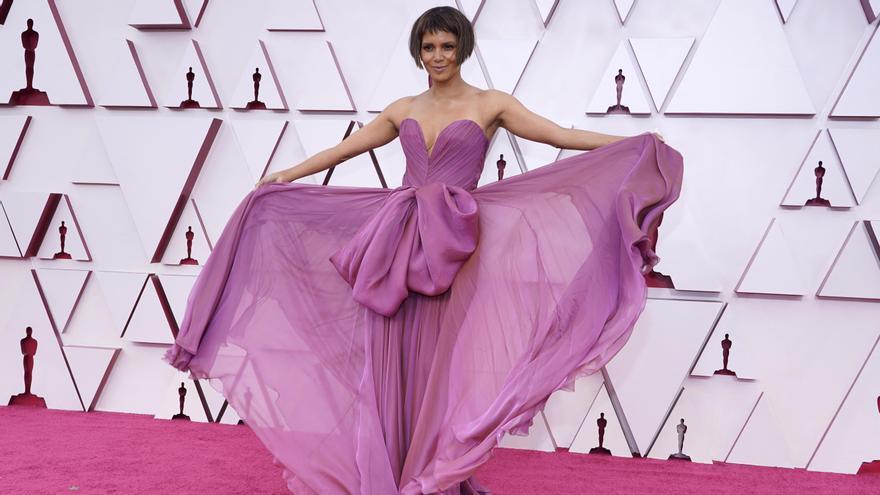 La alfombra roja de los Oscar 2021.