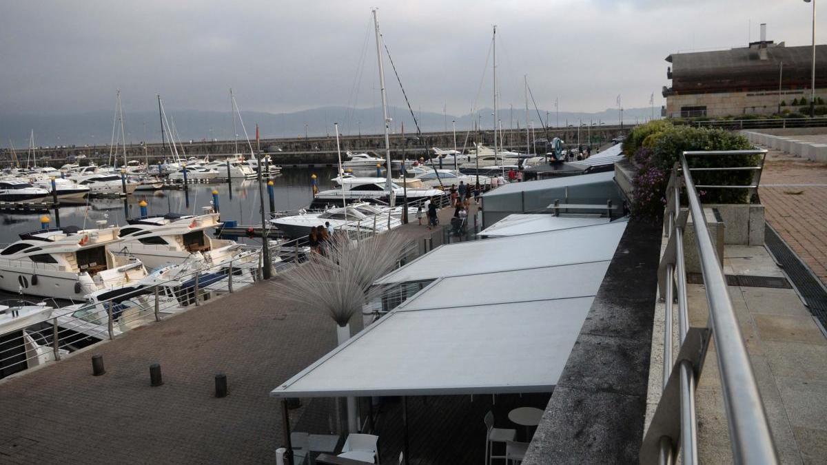Vista general del puerto deportivo de Sanxenxo.  // Noé Parga
