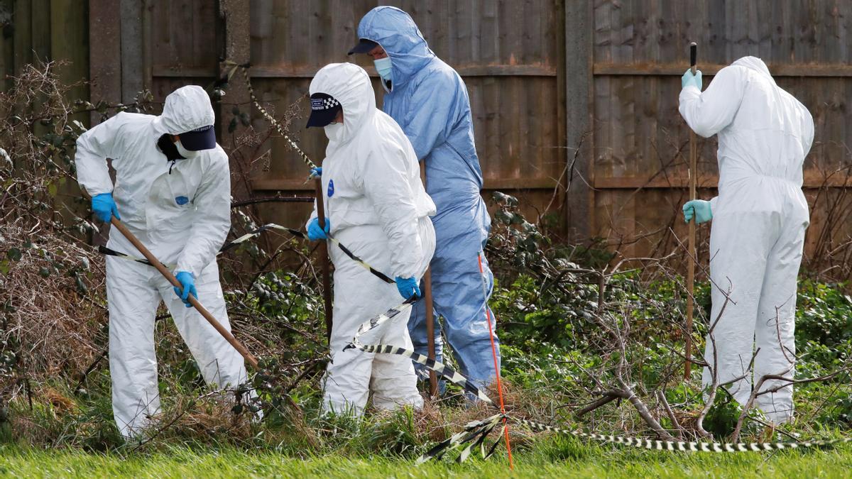 La Policía en el lugar donde se han encontrado los restos mortales de Sarah Everard, de 33 años.