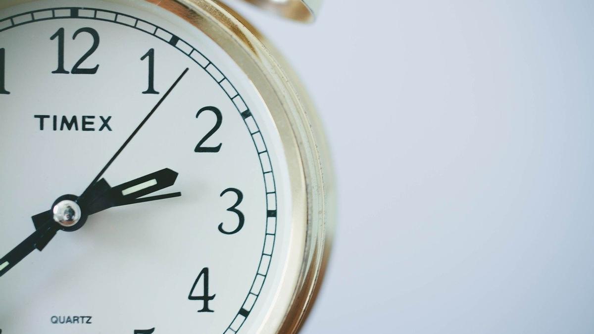 Cambio de hora: este domingo a las 6 de la tarde se hará de noche en Alicante.