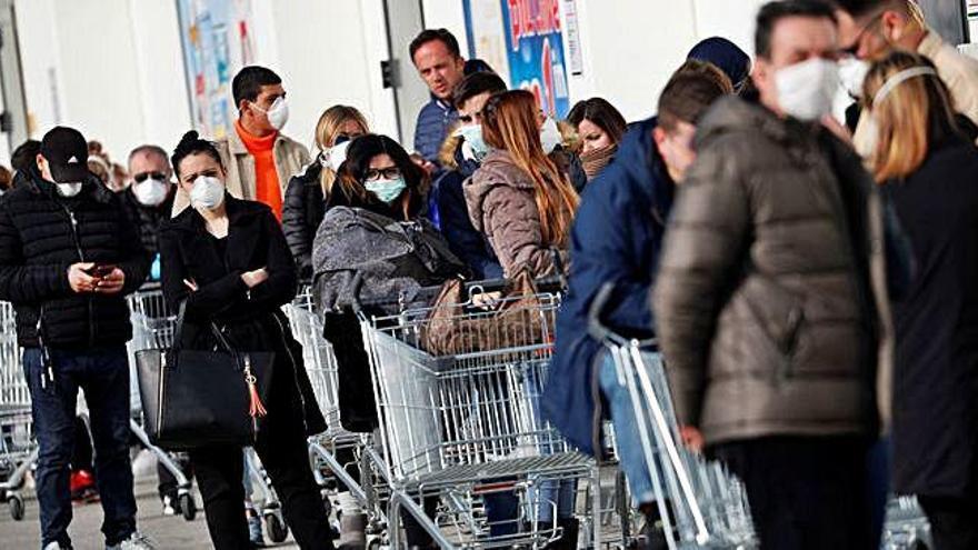 Pànic a Itàlia per 3 morts i 132 contagiats pel virus de Wuhan