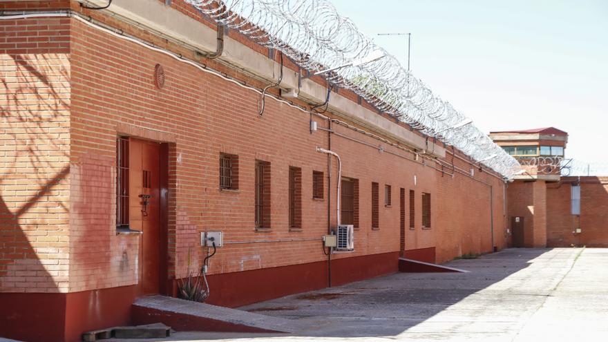 Hallan muerto a un interno en la prisión de Cáceres