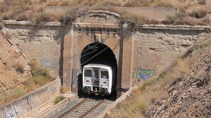 Elda exige a Adif que se proteja el túnel afectado por el Corredor Mediterráneo