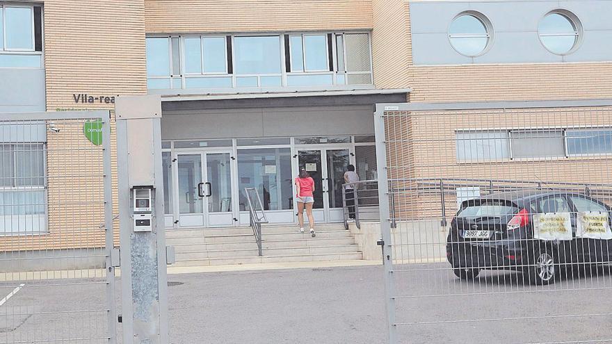 Sanitat descarta por ahora intervenir la residencia Domus de Vila-real y las familias estudian protestas