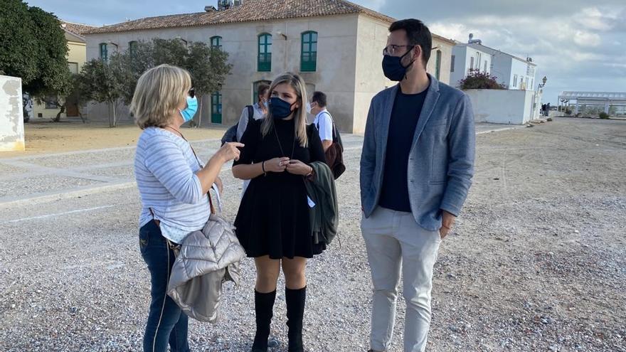 El Ayuntamiento plantea ayudas de 10.000€ a propietarios de casas en Tabarca para pintar las fachadas